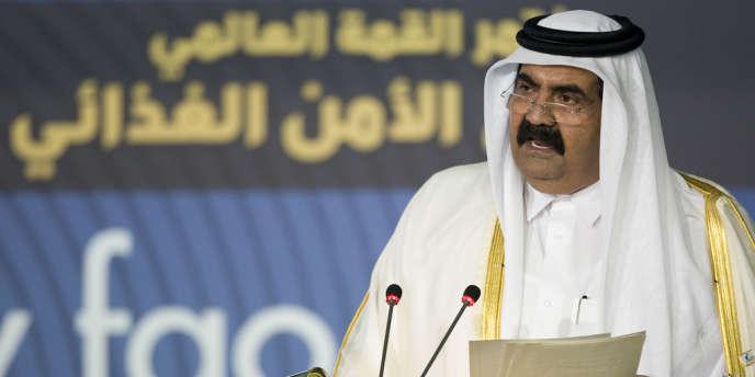 La sécurité alimentaire est au centre de la stratégie du gouvernement du Qatar et de son émir Hamid Ben Khalifa Al-Thani. Plus de 90 % des produits consommés par les 2 millions d'habitants, dont seulement 300 000 Qataris, dépendent d'importations.