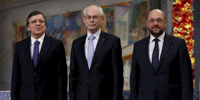 Les présidents de la Commission européenne, du Conseil européen et du Parlement européen, MM. Barroso, Van Rompuy et Schulz, participent à la remise du prix Nobel de la paix, à Oslo, le 10 décembre.