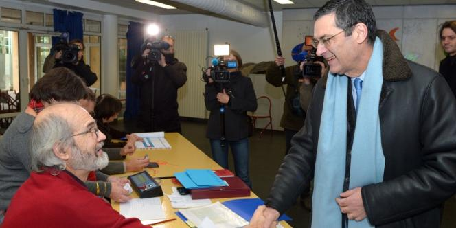 Patrick Devedjian, candidat UMP dans la 13e circonscription des Hauts-de-Seine, le 9 décembre.