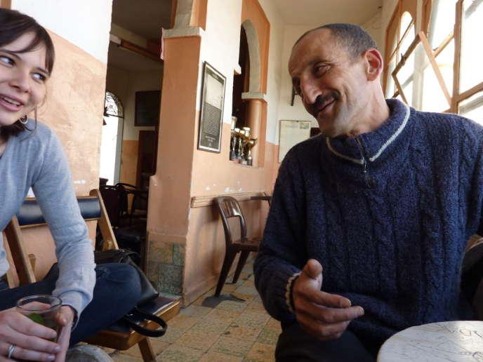 Faïna (une amie) et Mohamed aka Sammy Davis Junior à Tanger en janvier 2012.