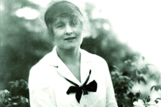 Portrait de Suzanne Lalique vers 1925.