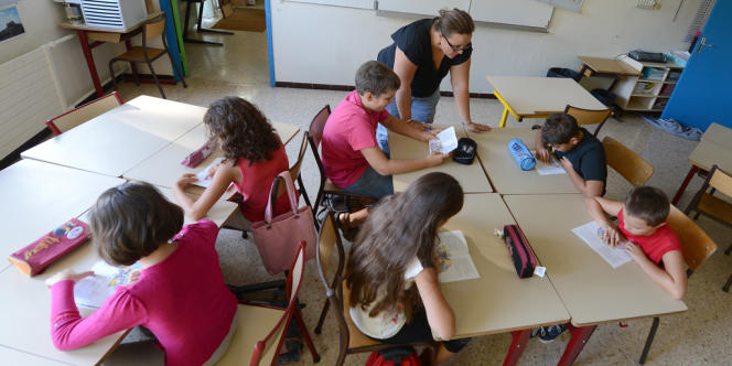 Exercice de lecture dans une école élémentaire de Vitrolles (Bouches-du-Rhône).