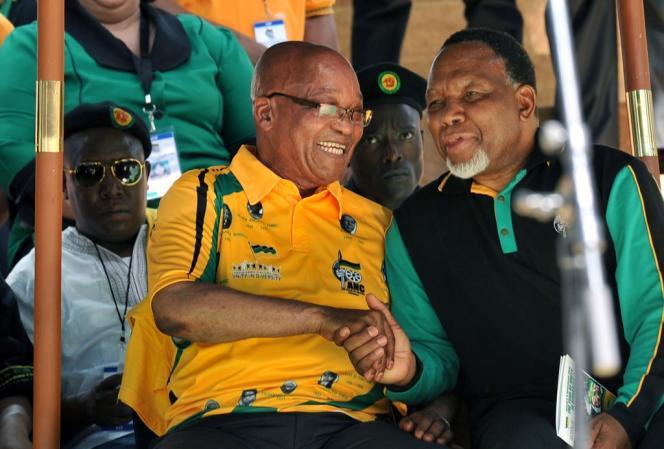 Une partie des opposants à Jacob Zuma avançait son nom depuis plusieurs mois, mais Kgalema Motlanthe s'était jusqu'à présent toujours refusé à sauter le pas pour s'opposer ouvertement au président.
