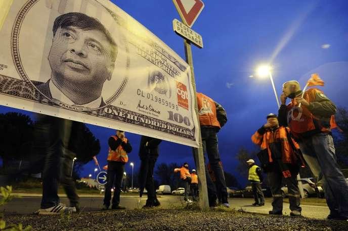A Florange, le 10 décembre 2012. Avant la fermeture du site, les salariés dénonçaient les profits considérables de Lakshmi Mittal. Le vote Front national arrive en tête chez les sympathisants de Force ouvrière, deuxième à la CGT.
