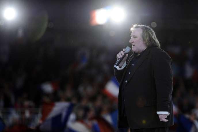 Gérard Depardieu lors du meeting de Nicolas Sarkozy à Villepinte, le 11 mars 2012.