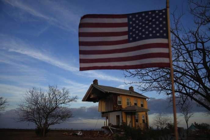 La progression du PIB américain s'est essoufflée en fin d'année, essentiellement pour des raisons ponctuelles. Parmi elles, les effets de l'ouragan Sandy qui a frappé le nord-est du pays en octobre. Ici, une maison sinistrée par ce cyclone, dans le New Jersey, le 12 novembre 2012.