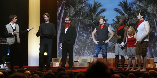 Les présentateurs TV Arnaud Demanche (à gauche) et Stéphane Rose lors de la cérémonie des Gérard de la télévision à Bobino à Paris, le 17 décembre 2012.