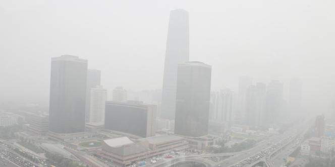 Brouillard et pollution à Pékin en octobre 2011.