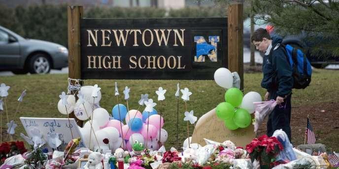 L'école Sandy Hook de Newtown, mardi 18 décembre.