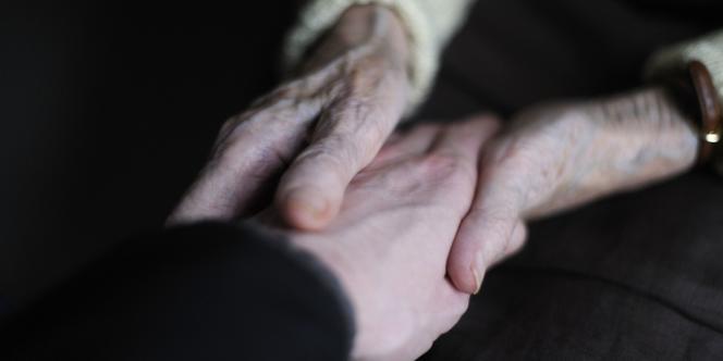 Il y a eu ces quinze dernières années plus d'une centaine de tentatives pour mettre au point un nouveau traitement contre la maladie d'Alzheimer, toutes ont échoué.