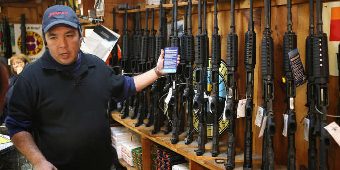 Vendeur d'armes dans l'Illinois, en décembre 2012.