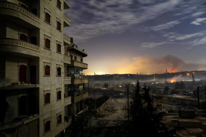 Vue des combats au nord d'Alep, le 1er décembre 2012.