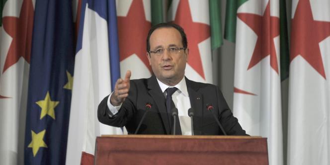 François Hollande à Alger, le 20 décembre.