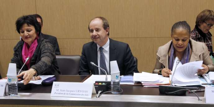La ministre de la justice, Christiane Taubira et le député PS Jean-Jacques Urvoas le 18 décembre 2012 à l'Assemblée nationale