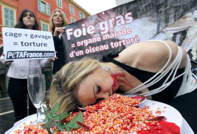 A Nice, en décembre 2010, des militants de l'association PETA.
