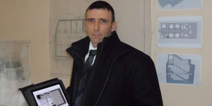 Enzo Petrone, vendeur d'abris antiatomiques à Menton (Alpes-maritimes).