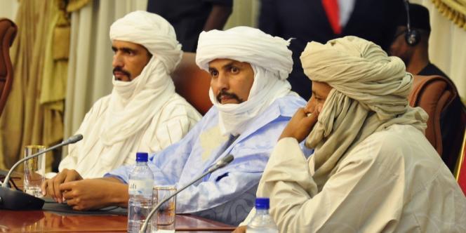 Les représentants d'Ansar Eddine et du MNLA ont rencontré des représentants du gouvernement malien à Alger.