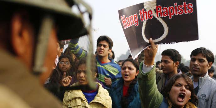 Une manifestation pour prendre des mesures de sécurité contre le viol, à New Delhi le 23 octobre.