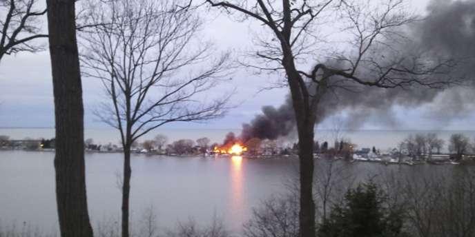 Deux pompiers qui sont intervenus sur un incendie à Webster, dans l'Etat de New York, aux Etats-Unis, ont été tués par balle.