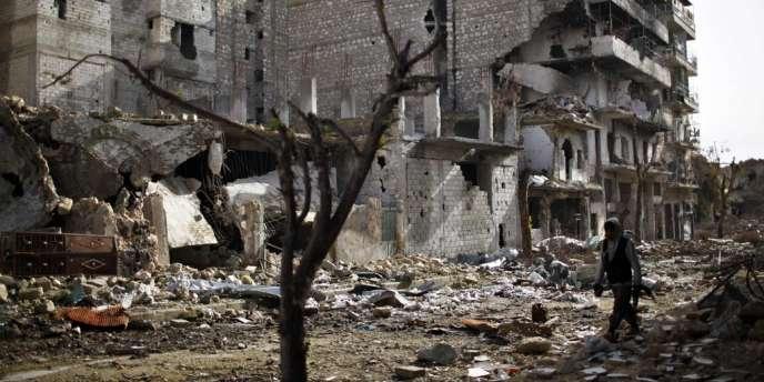 D'après les témoignages recueillis par l'OSDH, six insurgés ont péri dans la nuit de dimanche à lundi après avoir inhalé ce gaz inodore à Homs.