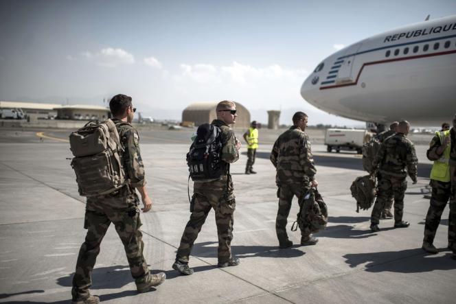Le 29 septembre 2012, des soldats français quittent l'Afghanistan.