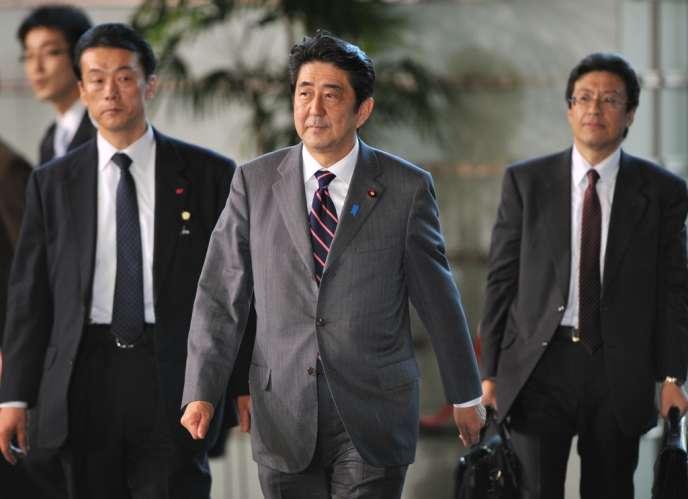 Shinzo Abe, le premier ministre japonais, arrive à sa résidence officielle à Tokyo, le 26 décembre 2012.