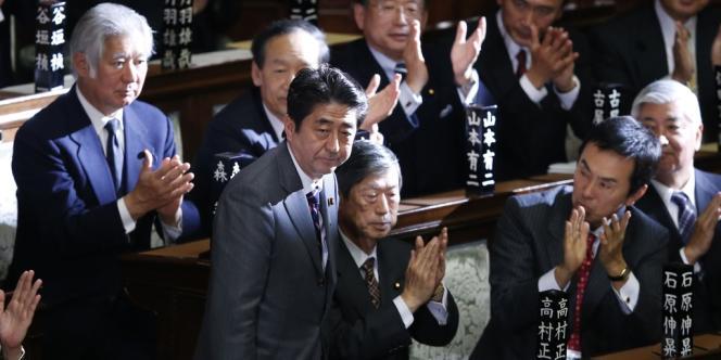 Le nouveau premier ministre Shinzo Abe, au Parlement à Tokyo, le 26 décembre.