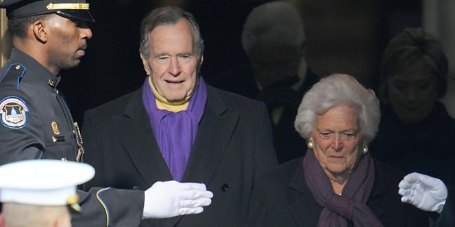 George H.W. Bush et sa femme Barbara à Washington le 20 janvier 2009.