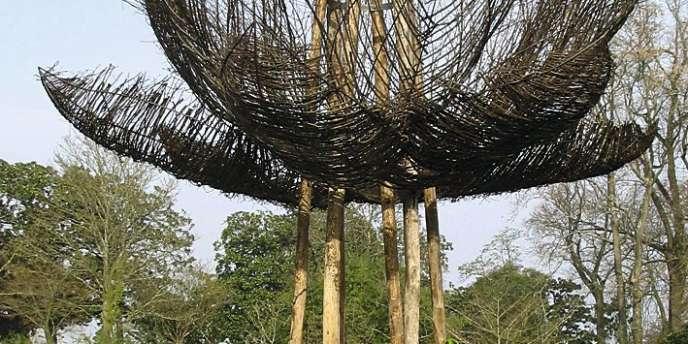 2- L'artiste paysagiste japonais Kinya Maruyama  a investi le Jardin des plantes nantais (3) en dessinant une rizière (1), un potager,  et des installations poétiques (2). -