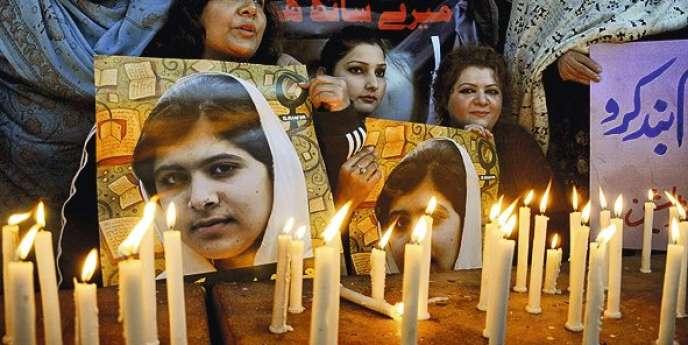 Manifestation de solidarité avec Malala Yousafzaï à Lahore, en décembre 2012.