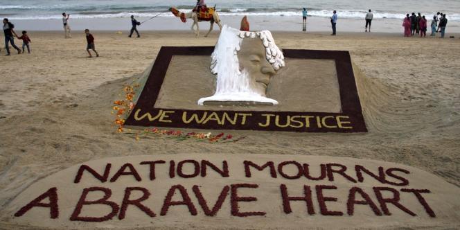 L'annonce de la mort de l'étudiante violée a provoqué un électrochoc en Inde.