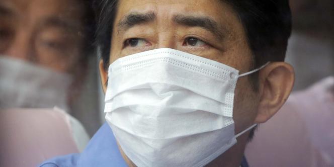 Shinzo Abe visite la centrale nucléaire de Fukushima Dai-ichi, accidentée depuis le séisme du 11 mars 2011.