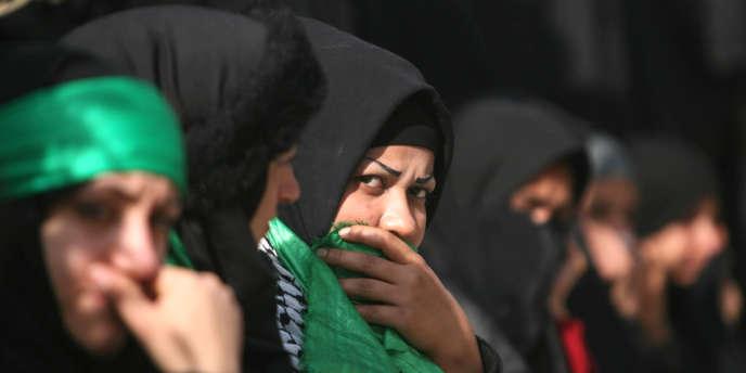 Les attaques de mercredi n'ont pas été revendiquées mais la communauté chiite, majoritaire dans le pays, est souvent prise pour cible par des insurgés sunnites, notamment à l'occasion des fêtes religieuses.