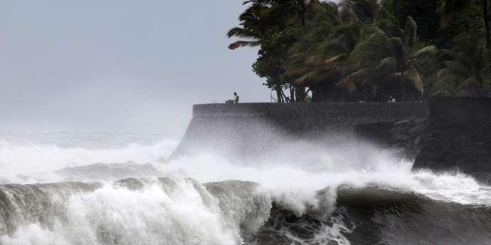 L'île de la Réunion était déjà touchée par de fortes rafales de vent, le 2janvier, à l'approche de la tempête Dumile.