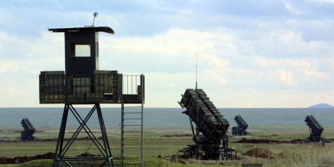 Des batteries de missiles sol-air Patriot à Diyarbakir, en Turqiue, le 11 mars 2003.