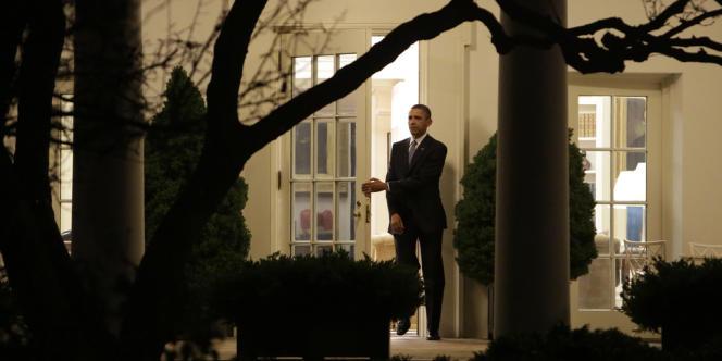 Barack Obama quitte la maison blanche, le 1er janvier 2013, pour reprendre ses vacances à Hawaï, après avoir trouvé un accord au Congrès sur la