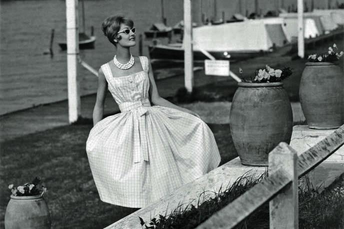 Robe en vichy issue de la collection croisière Dior de 1959.