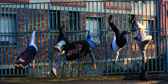 L'un des membres du Punishment Team a créé l'Association parisienne de sport d'extérieur pour  obtenir des espaces urbains consacrés au street workout.