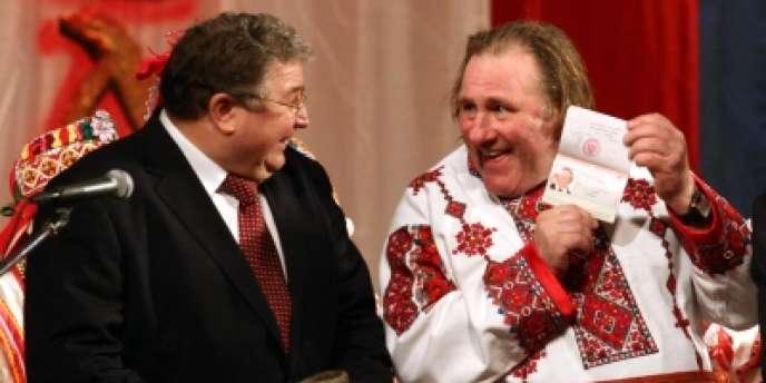 Photo de Gérard Depardieu avec le gouverneur de Mordovie, Vladimir Volkov, publiée en