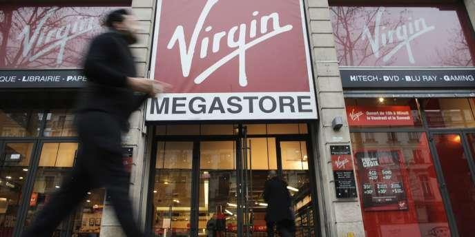 Les salariés de Virgin craignent une vente à la découpe, qui entraînerait la fermeture des boutiques les moins rentables et des licenciements.