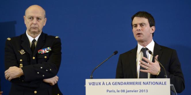 Manuel Valls présentait pour la première fois dans l'histoire du ministère de l'intérieur ses vœux aux 95 000 gendarmes, à Paris, le 8 janvier.