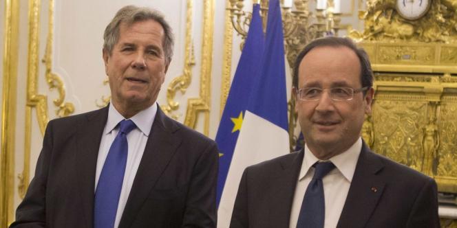 En se prononçant contre le fait que les ex-présidents soient membres de droit de l'institution, François Hollande entend réduire l'ambiguïté qui pèse sur les