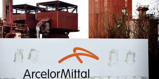 A la fin de l'année dernière, ArcelorMittal a été relégué dans la catégorie des emprunteurs à risques par les trois grandes agences de notation.