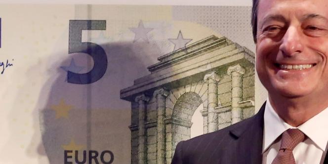 Mario Draghi présentait le nouveau billet de 5 euros de la collection