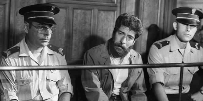 Le Libanais Georges Ibrahim Abdallah, incarcéré depuis vingt-neuf ans en France pour complicité d'assassinat de deux diplomates, lors de son procès, en juillet 1986.