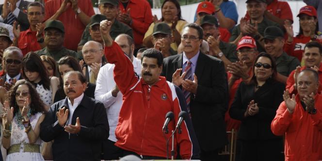 Le vice-président Nicolas Maduro, pendant la cérémonie symbolique d'investiture d'Hugo Chavez, le 10 janvier devant le palais présidentiel de Miraflores, à Caracas.