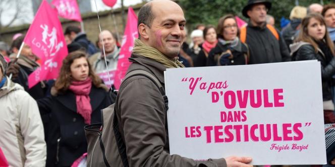 Un manifestant contre le mariage pour tous à Paris, le 13 janvier 2013.