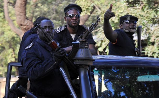 Une patrouille de la police malienne, le 13 janvier, à Bamako.