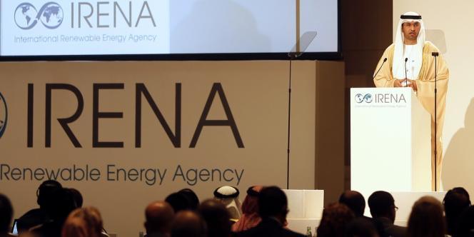 Sultan Ahmed Al-Jaber, directeur de la compagnie de l'énergie du futur d'Abu Dhabi Masdar, s'adresse à l'assemblée générale de l'Irena, le 13 janvier 2013.