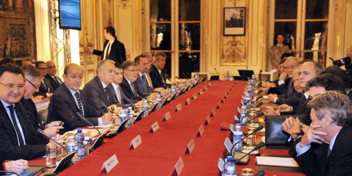 Le premier ministre a reçu pendant deux heures les principaux représentants de l'Assemblée nationale et du Sénat, à qui il a rappelé